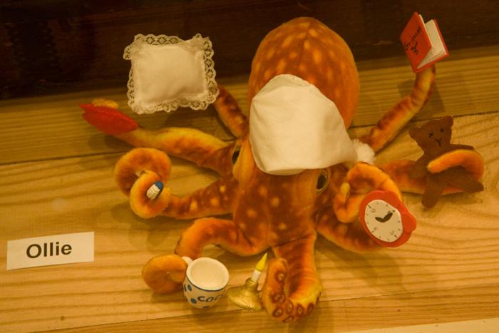 stuffed toy, an octupus