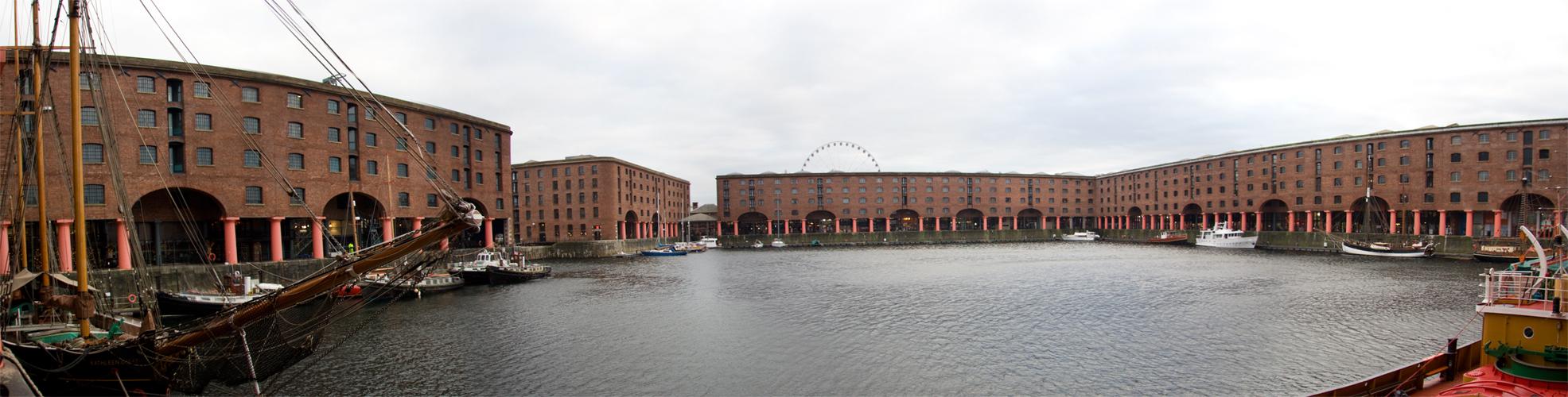 Panorama f the Liverpool docks