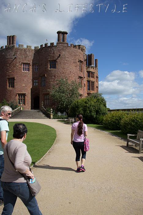powis castle 06