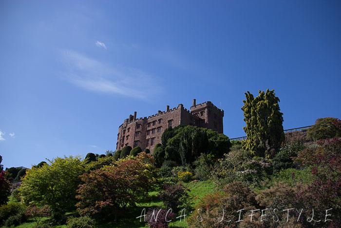 powis castle 22