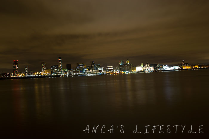 Liverpool by night 02