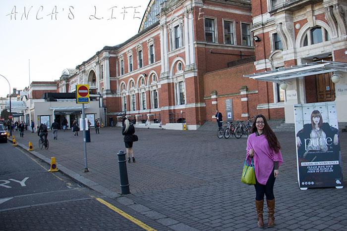 01 London