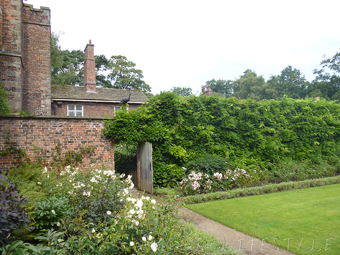 07 Rufford Old Hall