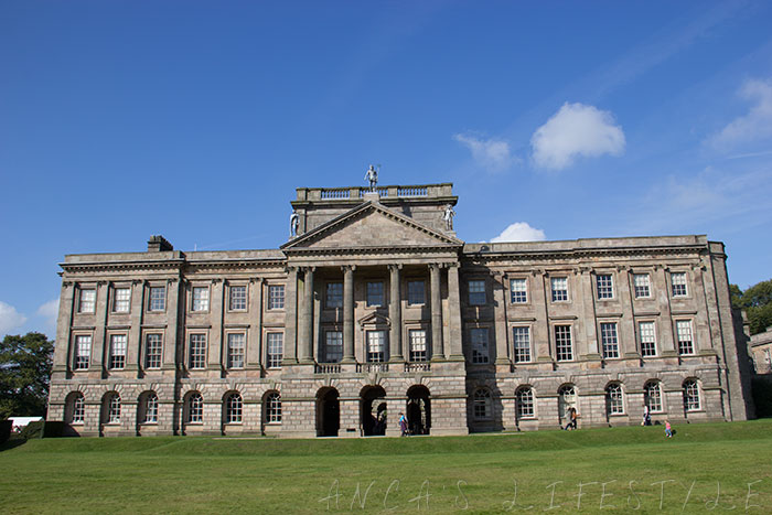 01 Lyme House and Park