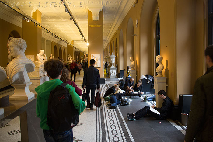 02 Victoria and Albert Museum