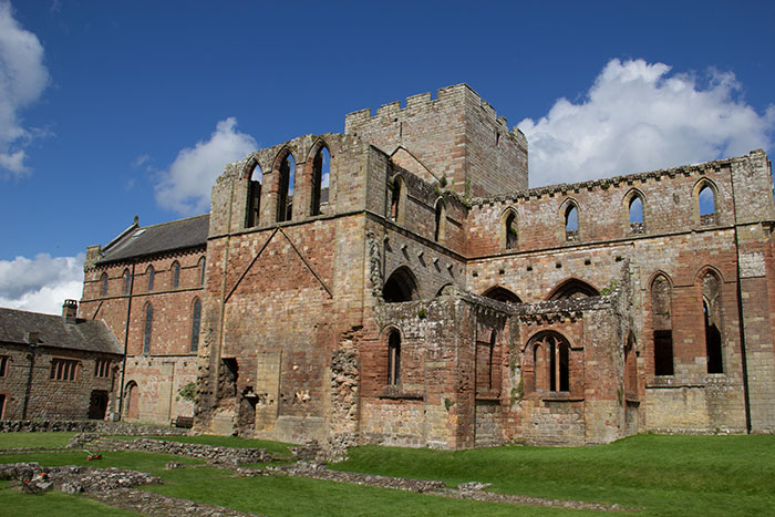 01 Lanercost Priory