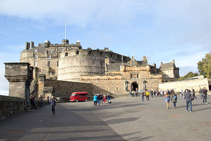 01-edinburgh-castle