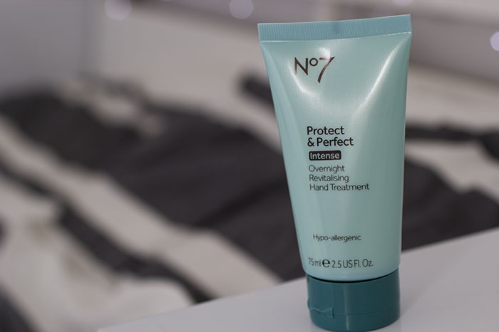 No7 Overnight Revitalising Hand Treatment