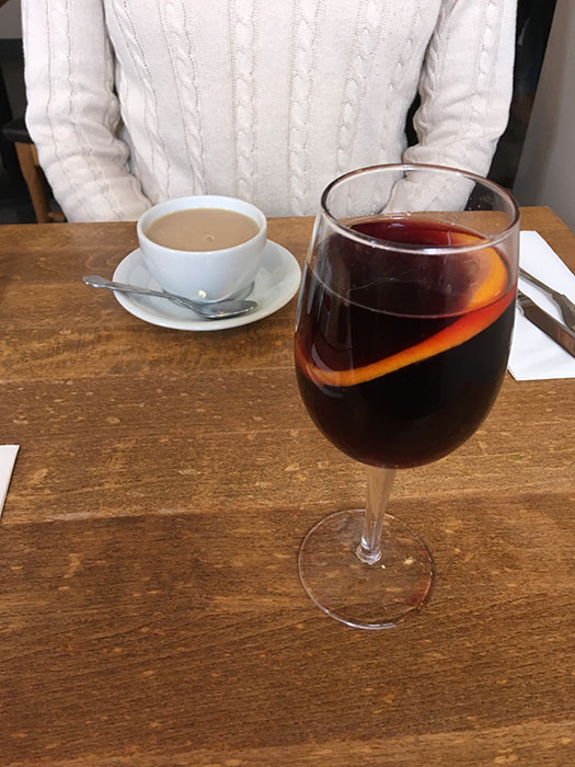 Mulled wine and tea at Peak View Tea Rooms