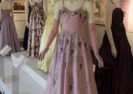 Model Image. Fashion and photos from the 1950s - Dresses