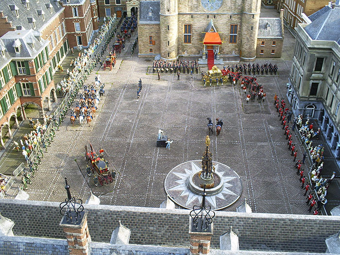 Royal procession in Madurodam