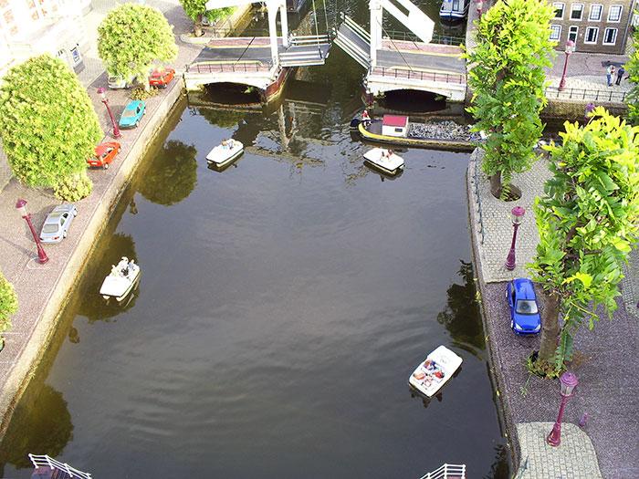 Madurodam. Water canals