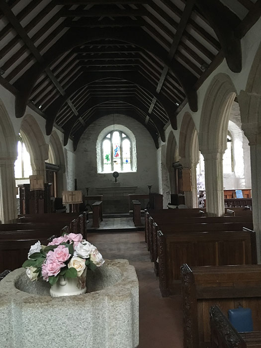 Gunwalloe Church. St. Winwaloe. The churhc of the storms. Interior