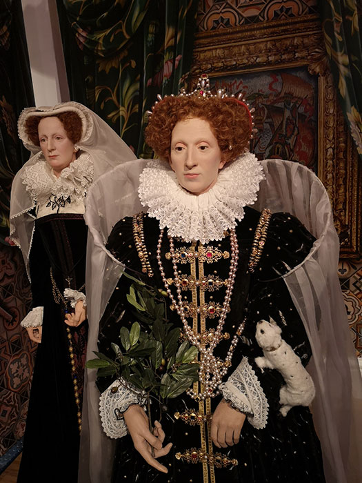Elizabeth I and Mary Queen of Scots at Madame Tussauds