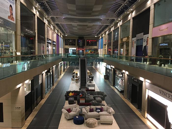 Christmas Shopping at Metquarter