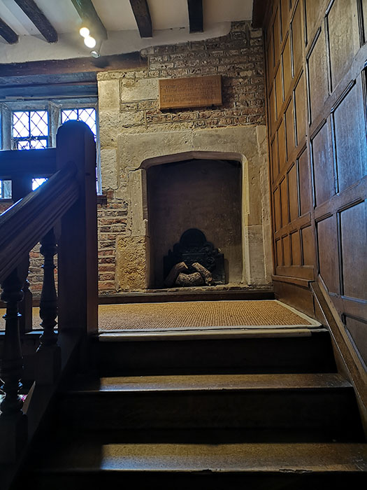 Fireplace in the staircase