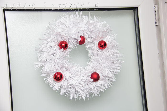 01 handmade tinsel wreath