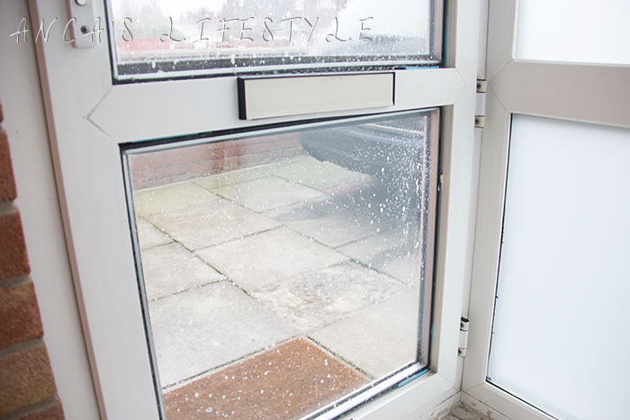 11 DIY frosted window film