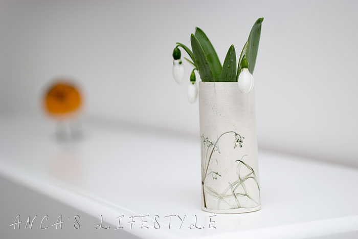 01 snowdrop and handmade vase