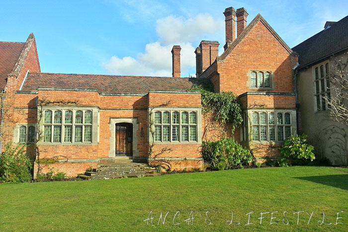 17 Packwood House