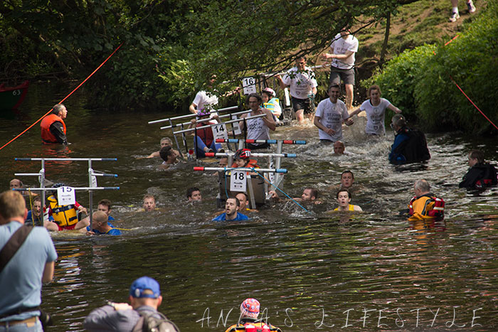 27 Knaresborough  bed race