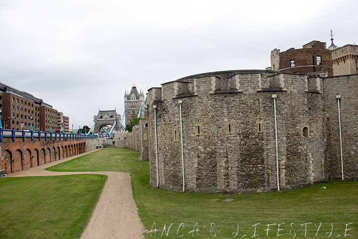 05 Tower of London and Tower Bridge