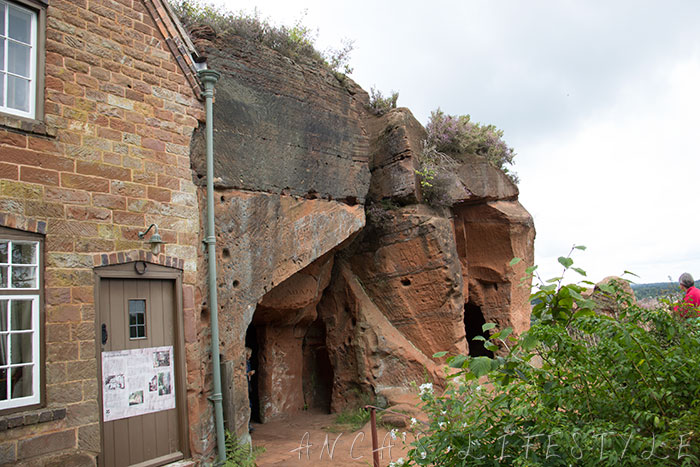08 Rock Houses