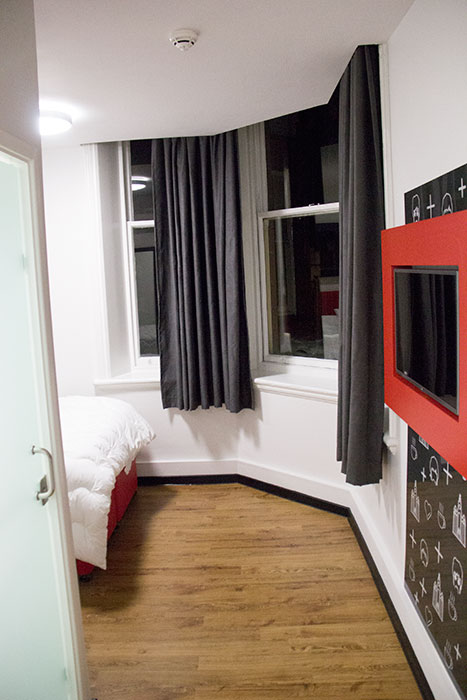 02 Tune Hotels Liverpool review