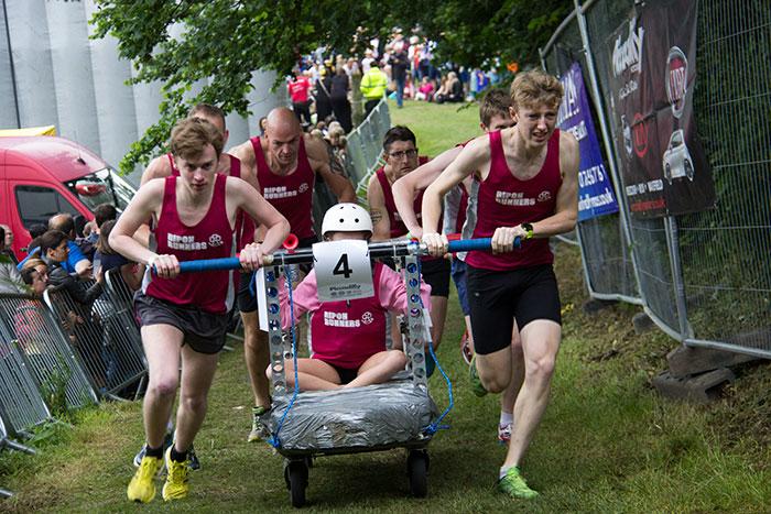 07 Knaresborough Bed race