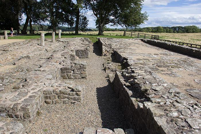 04-1-Hadrians-wall