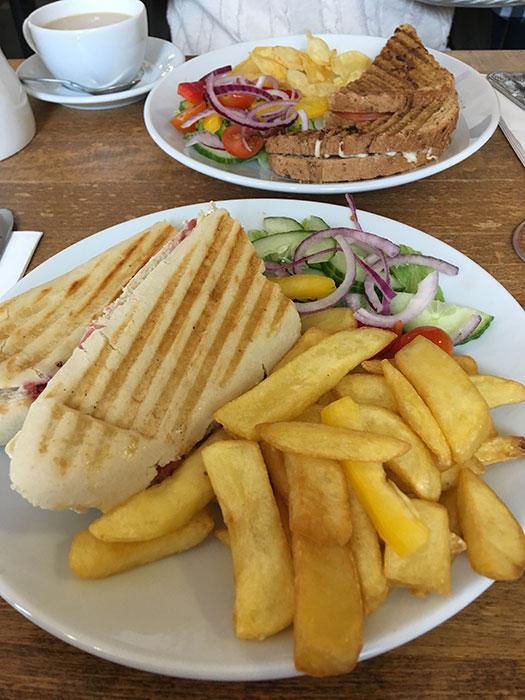 Vegetarian lunch at Peak View Tearooms