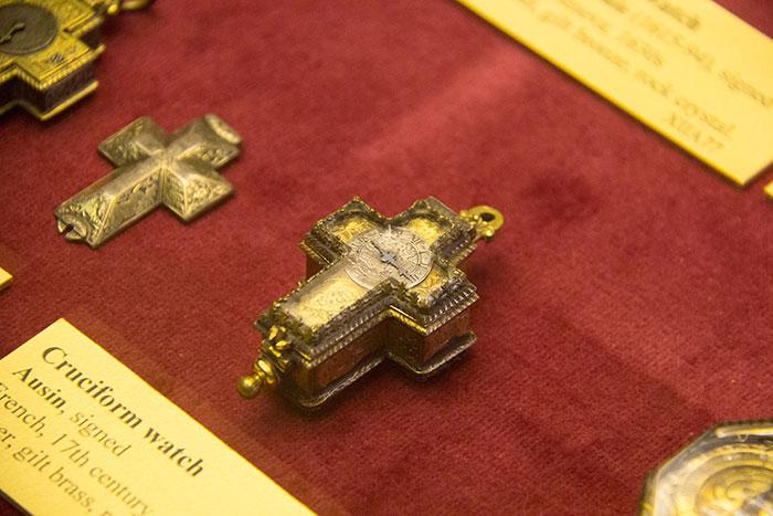 Cruciform watch