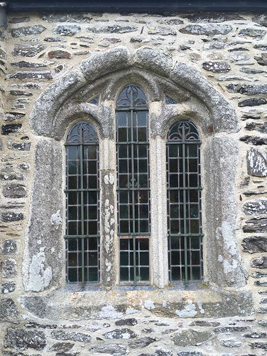 Gunwalloe Church. St. Winwaloe. The churhc of the storms. Window