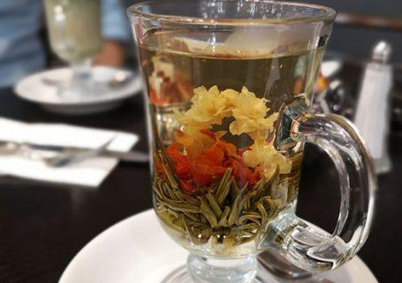 Cafe de Pierre. Flower tea