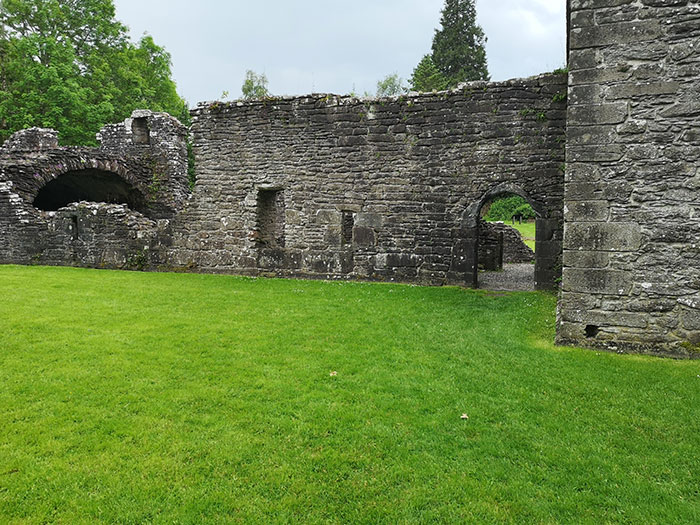 Inchmahome Priory. Ruins of the building