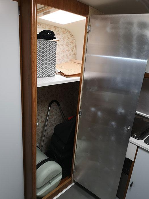 Caravan Renovations - Wardrobe