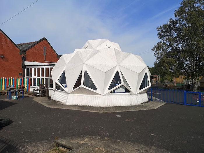 Kennington Primary School, plastic building