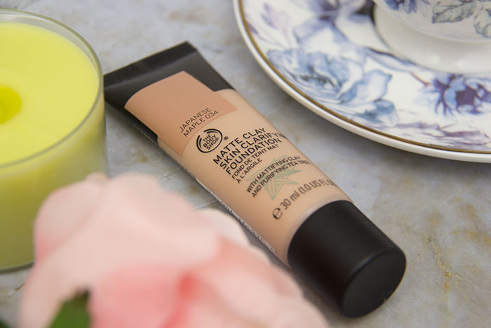The Body Shop Matte Clay Skin Clarifying Foundation, close up