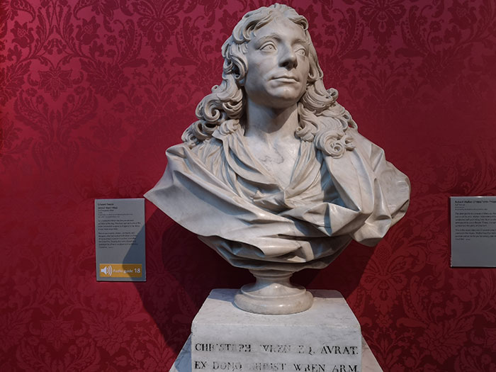 Statue of Christopher Wren