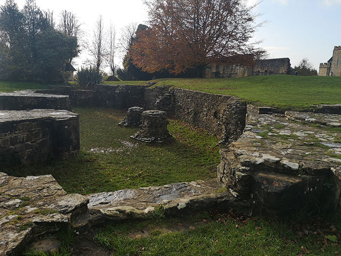 ruins at 1066 Battlefield
