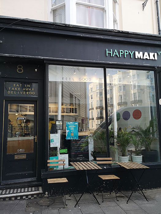 Happy Maki. Exterior