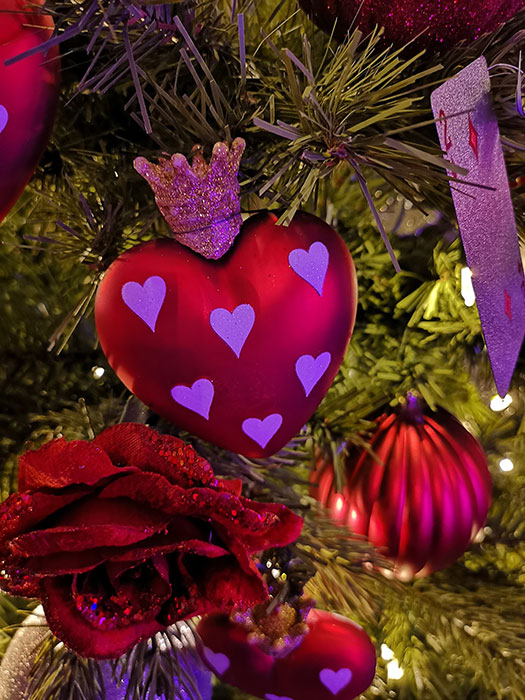 Bauble with hearts