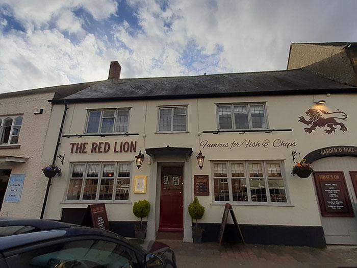 Red Lion Inn, Deddington